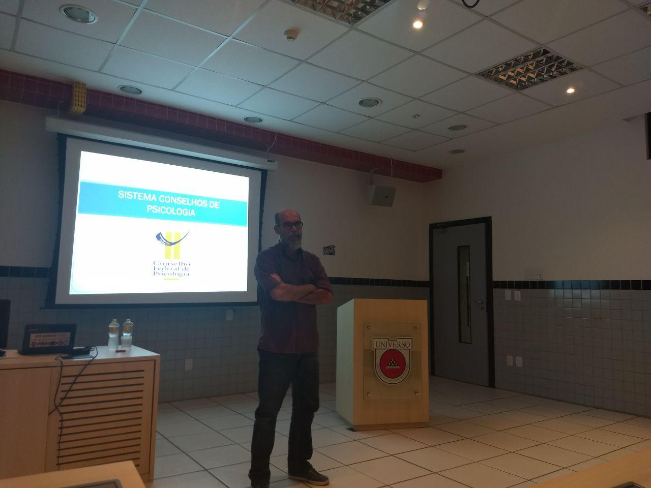 Curso de Psicologia realiza palestra com Conselho Federal de Psicologia - Universo Recife 2