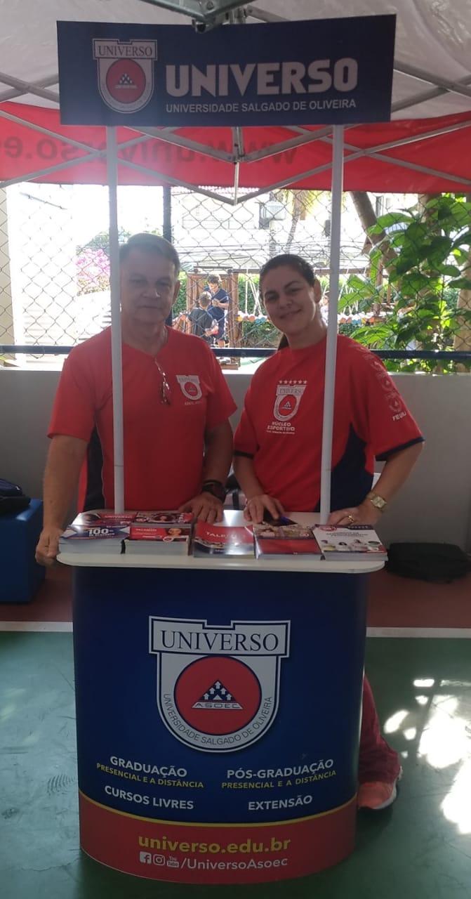 Universo-Campos realiza atividades práticas com estudantes em feira de profissões 2