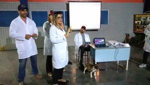 Medicina Veterinária: cavalo, cães, gato e até mini boi no hall da Universo-Campos 7